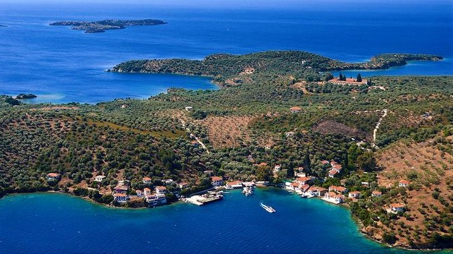 island old trikeri pelion greece