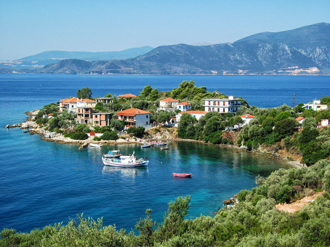 trikeri village port pelion greece